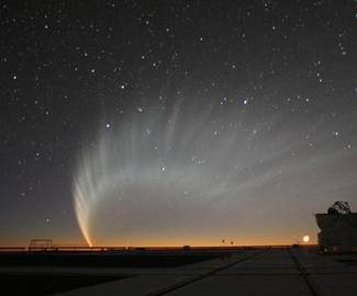 Image of comet McNaught on 2007 January 20